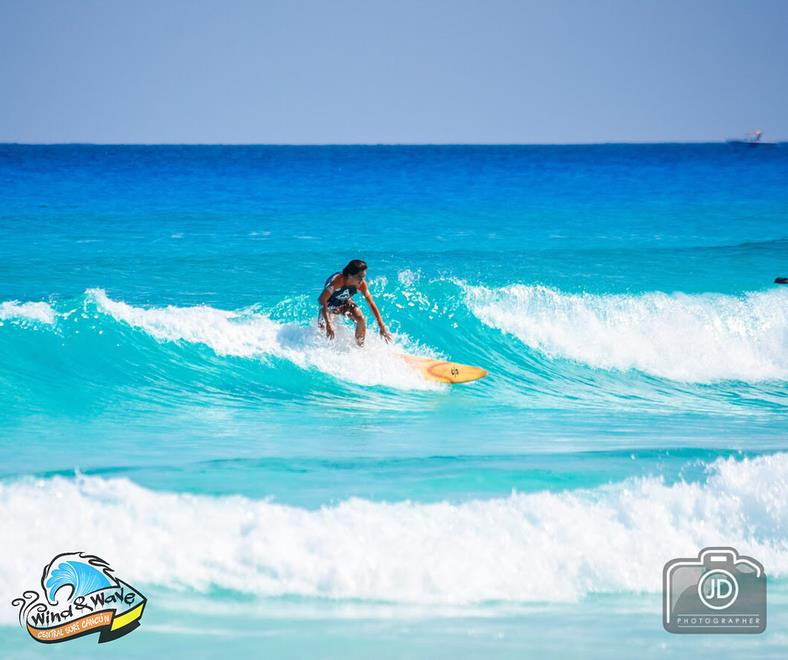 Wind and Wave Cancún cover profesional de Surf en Cancún
